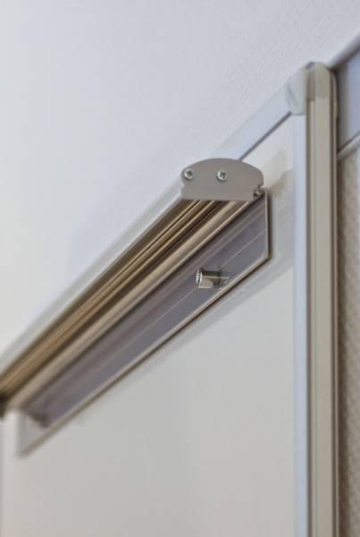 Flipchartblockhalter für Magnettafel, magnethaftend, 70 x 5,5 cm, grau